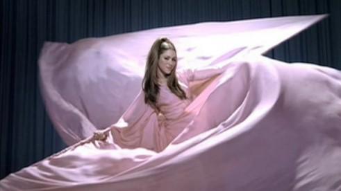 Shakira Lumix
